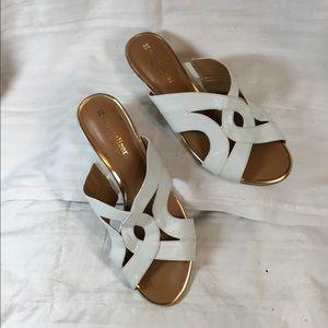Woman's mule shoes